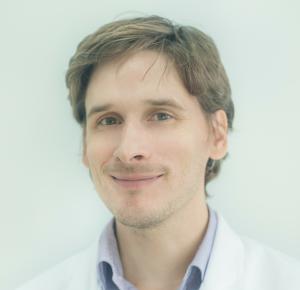 Dr n. med. Adam Gałązka