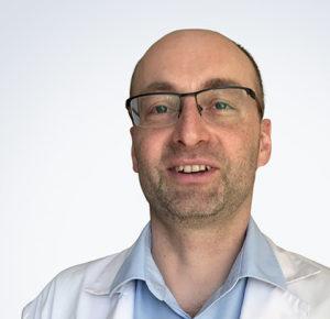Lekarz Maciej Bujko