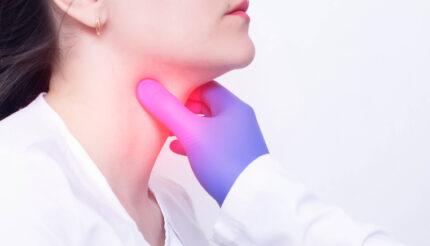 Chrypka przewlekła, badanie laryngologiczne